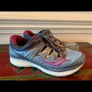 Nice Saucony Women's Running Shoes Sz 9 MSRP $159